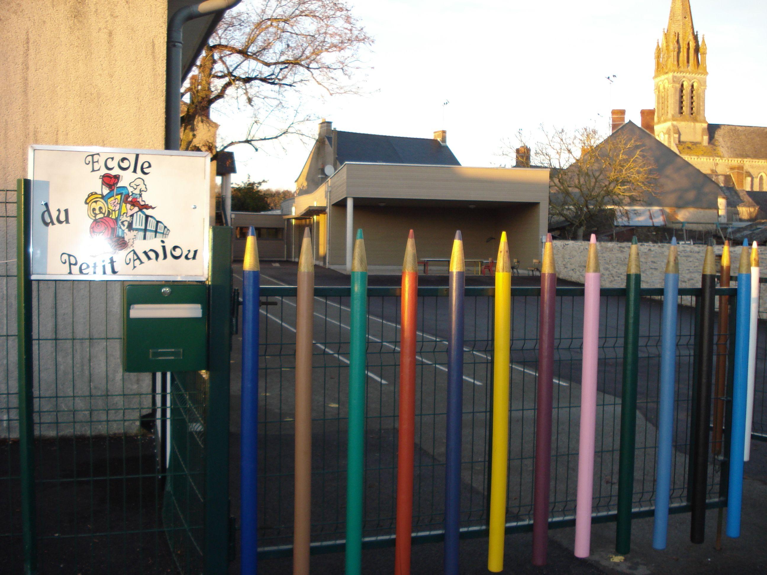 Coloriage Ecole Cantine.Etablissements Scolaires